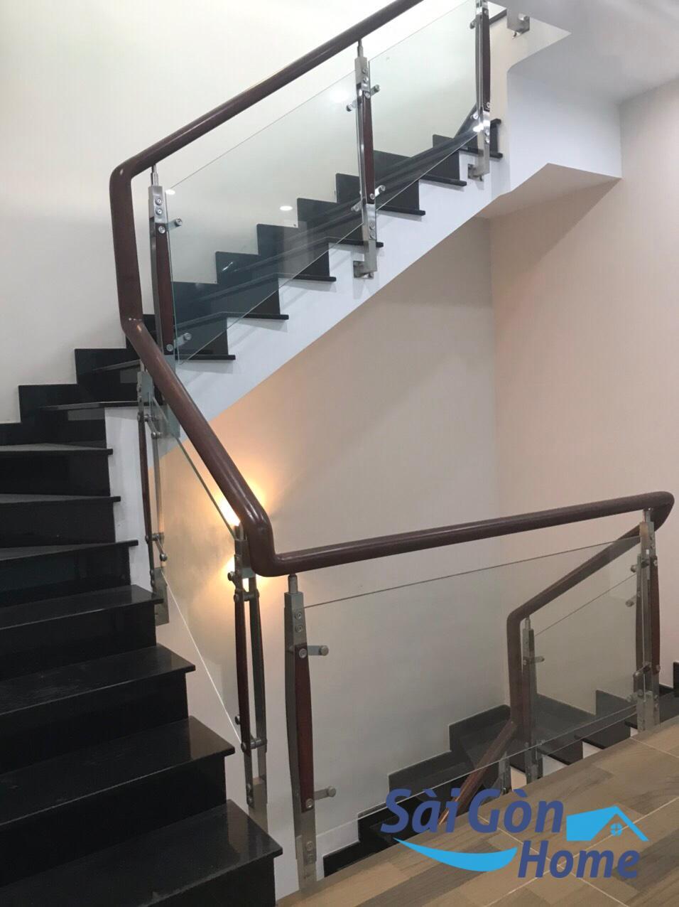 Nhà nguyên căn 5x20m KDT Vạn Phúc Thủ Đức, hầm trệt 3 lầu giá tốt 2021